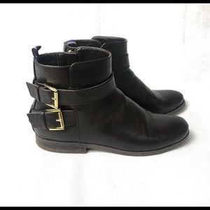 Tommy Hilfiger ankle booties with gold detail